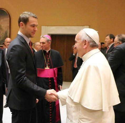 Manuel Neuer meeting Pope Francisco