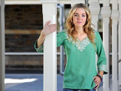 Jessica Marais reveals bipolar disorder struggle to Australian Women's Weekly