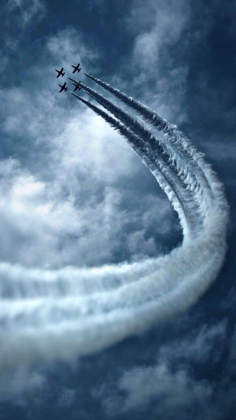 Airplane - title Sky - by Amazing Photo Jet Fighter Pilot, Air Fighter, Fighter Jets, Airplane Fighter, Fighter Aircraft, Airplane Wallpaper, Cool Pictures, Cool Photos, Airplane Photography