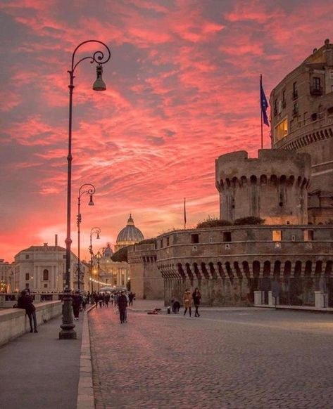 Rome at sunset . – changeless-delimite Rome at sunset. Places To Travel, Travel Destinations, Places To Visit, Hotel Am Strand, Italy Architecture, Travel Photography, Nature Photography, Rome Photography, Street Photography