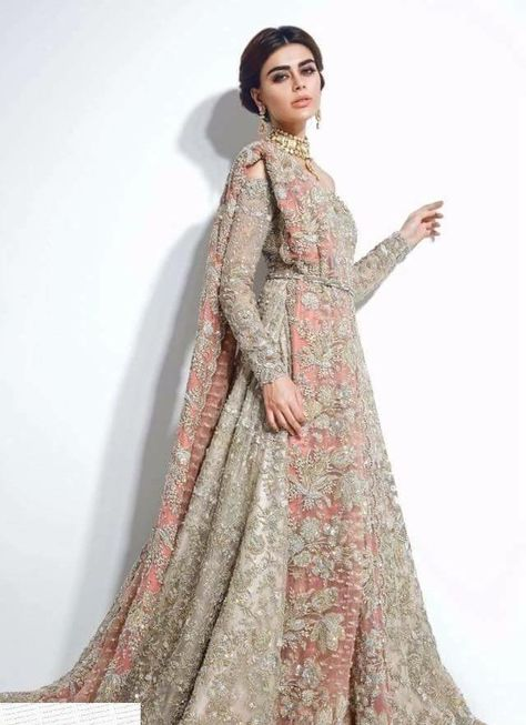 Beautiful Heavy lahnga set in silver gray and pastel pink color Model 844 Schöne schwere Lahnga i