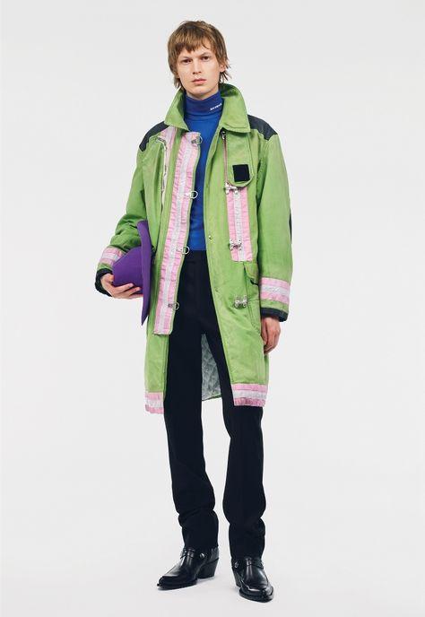 Calvin Klein 205W39NYC traz inspiração nos uniformes em coleção Pre-Spring 2019 – O Cara Fashion