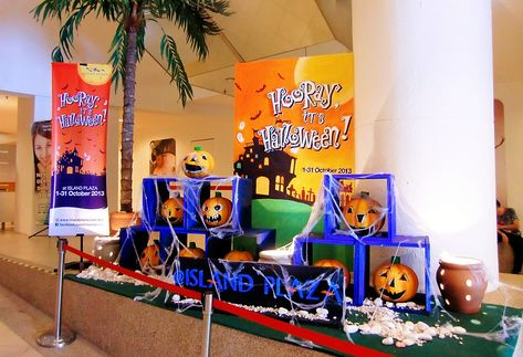 Halloween Decorations at Island Plaza Shopping Mall