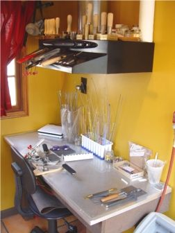 Great lampworking set-up at Studio Solana!