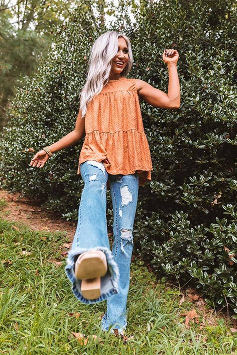 """Arrive in style for """"lattes with friends"""" in this adorable pumpkin colored top featuring lightweight breezy material with polka dot texturing, a high rounded neckline, wide 3-inch sleeveless shoulder straps, and a relaxed tiered babydoll silhouette that falls into an uneven hemline! Summer Country Outfits, Country Style Outfits, Southern Outfits, Spring Work Outfits, Summer Fashion Outfits, Cute Casual Outfits, Get Dressed, Aesthetic Clothes, Shoulder Straps"""