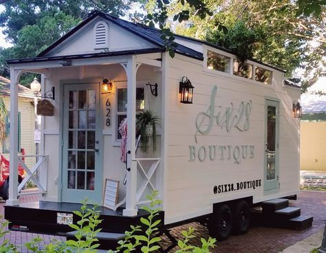 Tiny house boutique – Other for Rent in Chehalis, Washington – Tiny House Listings - Tiny Houses For Rent Boutique Decor, Mobile Boutique, Mobile Shop, Boutique Interior, A Boutique, Boutique Displays, Home Hair Salons, Home Salon, Tiny Houses For Rent