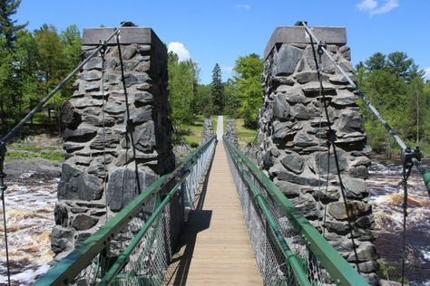 The Swinging Bridge at Jay Cooke State Park. State Parks, Places To Travel, Places To See, Duluth Minnesota, Minnesota Funny, Whitewater Kayaking, Canoe Trip, Travel Design, Day Trips