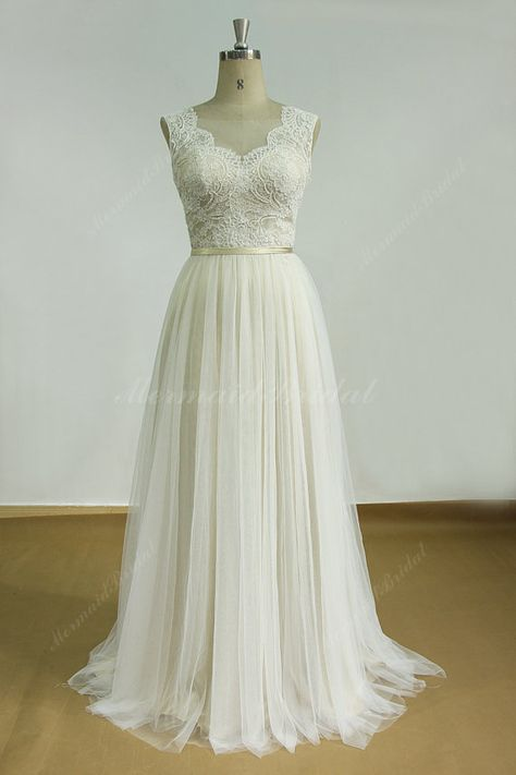 Romantic Ivory Backless tulle lace wedding dress with champange lining