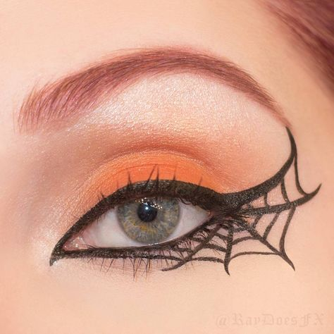 25 Spiderweb-Themed Makeup Ideas That Will Turn Heads on Hal.- 25 Spiderweb-Themed Makeup Ideas That Will Turn Heads on Halloween Pin for Later: 25 Spiderweb-Themed Makeup Ideas That Will Turn Heads on Halloween Flip the Script - Halloween Eye Makeup, Theme Halloween, Diy Halloween Costumes, Holidays Halloween, Halloween Crafts, Halloween Horror, Diy Halloween Eyes, Halloween Stuff, Halloween Makeup Tutorials