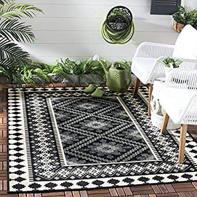 Amazon Com Safavieh Veranda Collection Ver099 0421 Indoor Outdoor Black And Cream Southwestern Area Rug In 2020 Indoor Outdoor Area Rugs Outdoor Rugs Indoor Outdoor