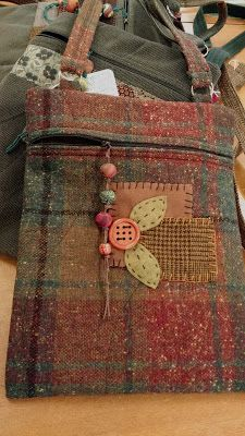 Wool Purses made by Linda Durrant feature hand made polymer clay beaded zipper pull Fabric Crafts, Sewing Crafts, Sewing Projects, Tweed, Fabric Journals, Handmade Purses, Boho Bags, Penny Rugs, Patchwork Bags