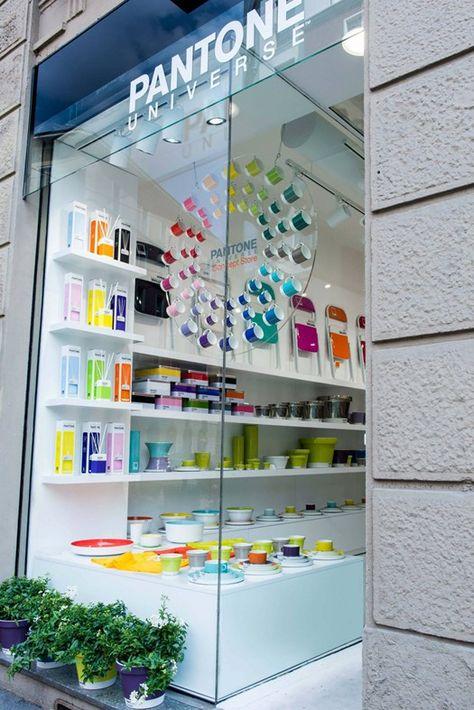 Apre a Milano il primo Pantone Concept Store