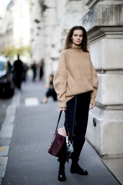 Oversized Sweater - The Best Outfits Worn to Paris Fashion Week - Photos