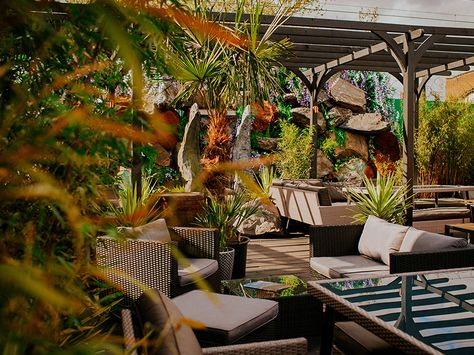 London S Best Rooftop Bars London Rooftop Bar Rooftop Bar Pergola On The Roof