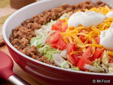 Fast Taco Pie - This easy Mexican skillet recipe only takes about 15 minutes to cook, so you'll have dinner on the table in no time!