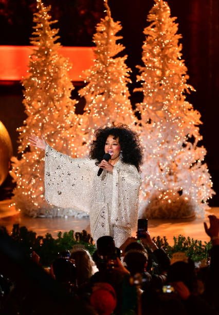 Ross Hours Christmas Day 2020 Diana Ross performing at the 86th Annual Rockefeller Center