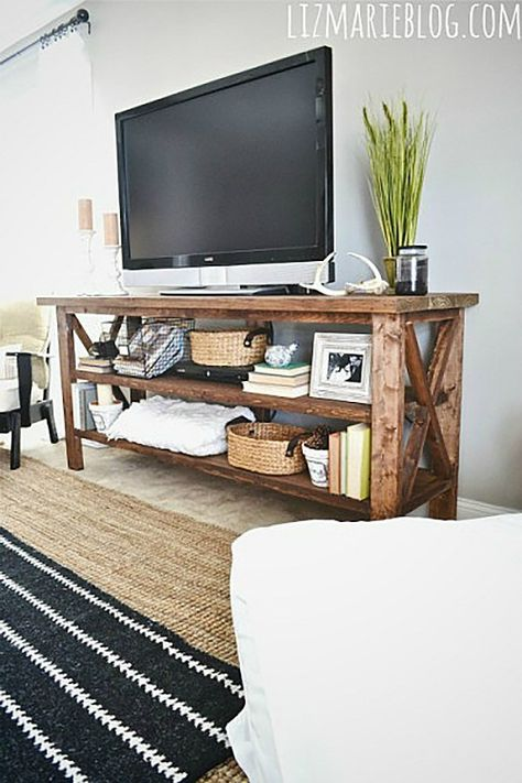 Farmhouse Diy Projects, Rustic Tv Console, Rustic Tv Stand, Pallet Furniture Shoe Rack, Pallet Furniture, Diy Tv, Media Room Decor, Home Decor, Tv Stand Plans
