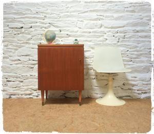Meuble De Rangement Vintage Pieds Fuseaux Decoration Vintage Table Basse Vintage Vitrine Vintage