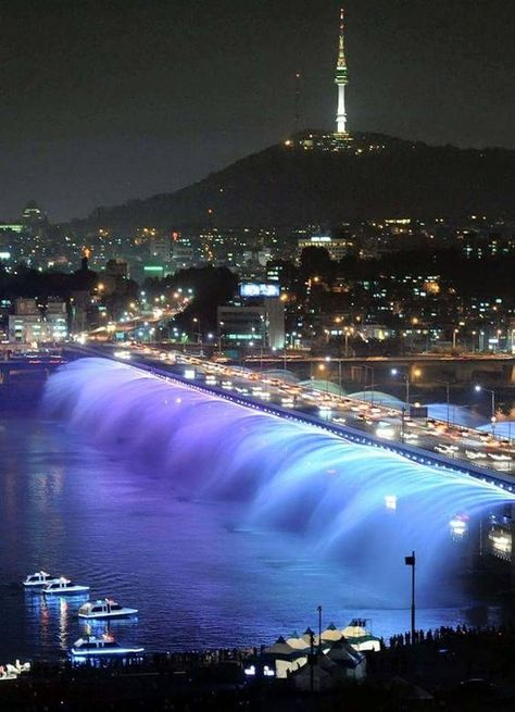Banpo Bridge – Seoul, South Korea