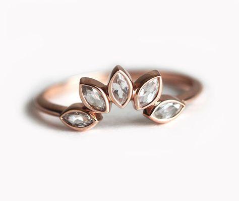 Weißer Saphir-Ring Marquise Krone Ring Saphir von MinimalVS auf Etsy