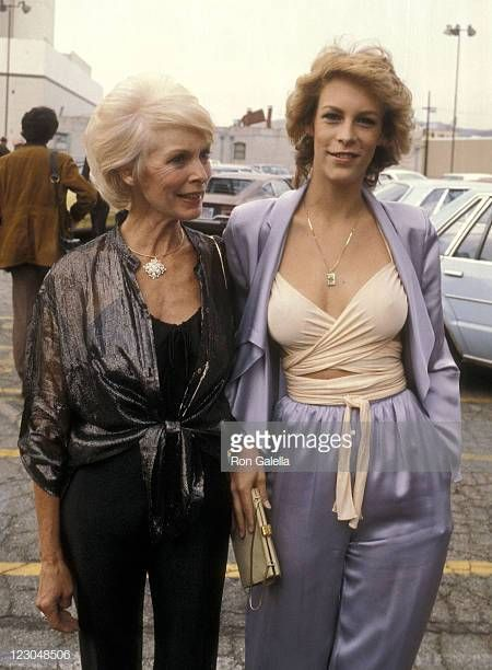 Actress Janet Leigh and actress Jamie Lee Curtis attend the 57th Annual Photoplay Awards on September 29 1979 at TAV Celebrity Theatre in Hollywood...