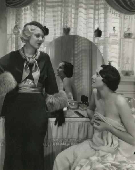 Glenda Farrell and Benita Hume in Gambling Ship (1933)