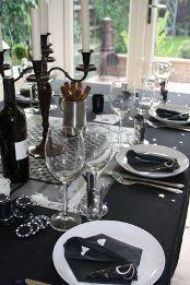 Boys party theme - 007 theme party decoration setting! Great ideas...