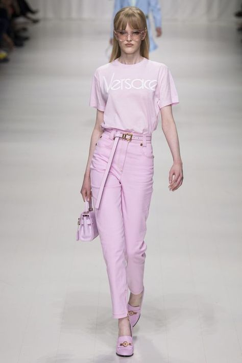 Victoria Victoria Beckham Spring 2018 .  Ice Cream colors -Trend 2018 #fashion #style #2018 #trend2018 #trendy #runway   Versace ready-to-wear spring/summer '18 - Vogue Australia