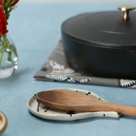 This splatter-painted spoon rest will help you dodge the splatter marks from last night's dinner.