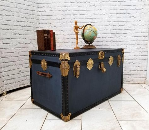 Large Overpond Style Travel Steamer Trunk Storage Toy Box Linen Chest Coffee Table 1950s Vintag In 2020 Toy Storage Boxes Chest Coffee Table Vintage Furniture For Sale