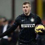 santonSebelumnya Davide Santon dikabarkan akan cabut dari Giuseppe Meazza dan gabung dengan Watford, namun sang pemain membantah dan akan bertahan di Inter Milan.