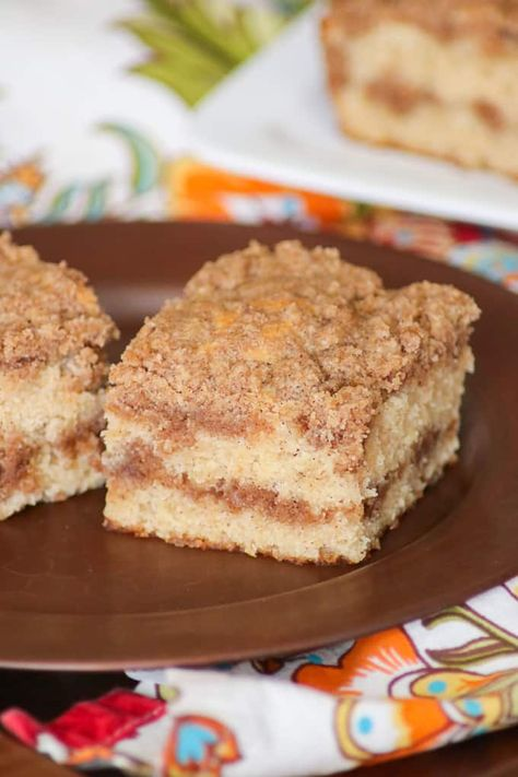 Bet You Can T Resist The Two Layers Of Cinnamon Streusel In This Cinnamon Sourcream Coffee Cake Coffee Cake Recipes Sour Cream Coffee Cake Coffee Cake