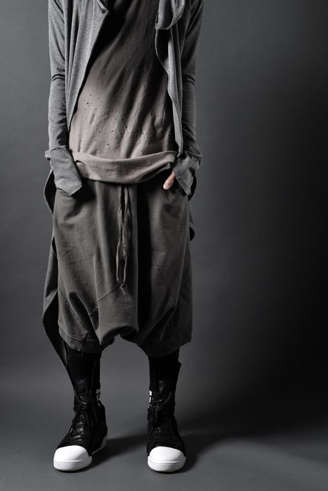 **BLOG // http://ameblo.jp/deviant-blog/entry-12124296944.html TOPS >> idéal MULTISEAMED LONG HOOD CARDIGAN INNER >> First Aid To The Injured CROUR TEE PANTS >> A.F ARTEFACT MULTISEAM SUMI-DYED...