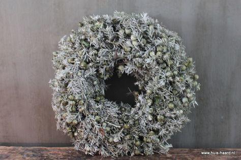 Krans tacka wax olijf 35 cm | Kransen & Natural Deco | Huis & Haard landelijke woonaccessoires webshop