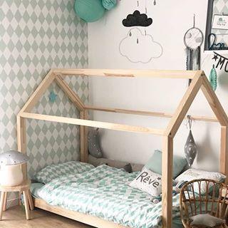 Petite Chambre Pour Enfant Avec Lit Cabane Souslelampion