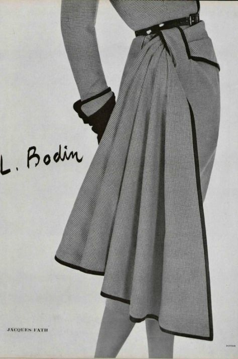 We LOVE recreating this kind of unusual detail from vintage dresses. This one is a 1950 Jacques Fath design.