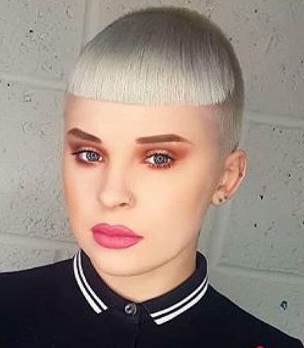 Pin Auf Chelsea Skingirl Skinbyrd Haircuts 06
