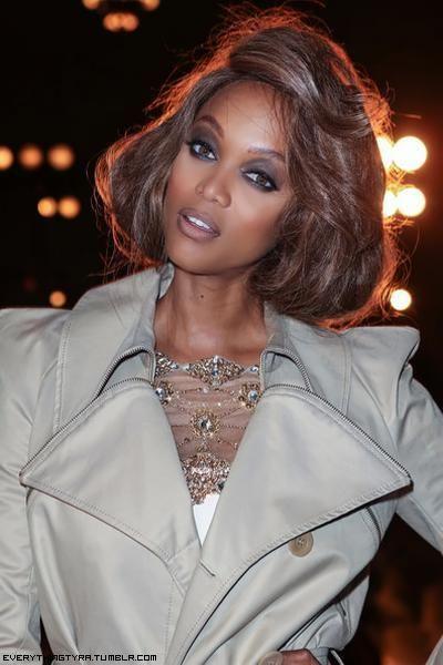 Pin By Joel Farris On Tyra Banks Hair In 2020 Tyra Banks Hair Tyra Beauty Tyra Banks