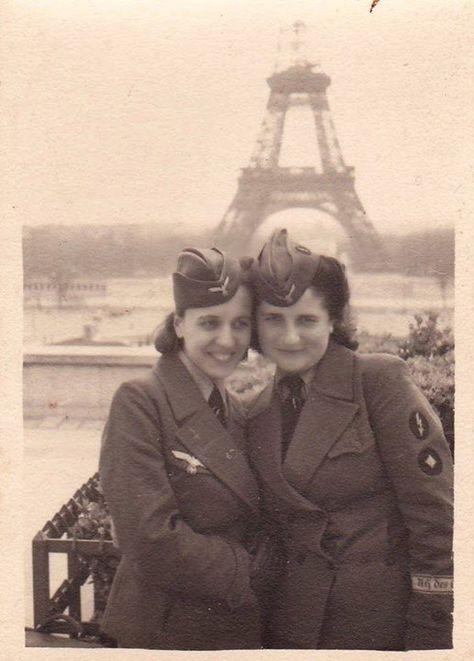 WW2 Two Young German Women League of German Girls Photo 187-i