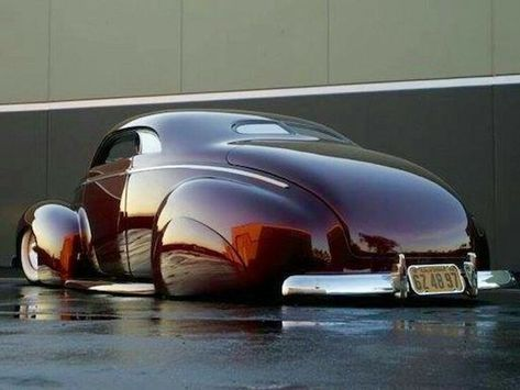 1940 Ford coupe slammed in the sexiest and deeped coat of red paint in the world. This wins the award for the sexiest car I've ever seen. Cadillac, Hot Rods, Mustang Cabrio, Carros Vw, Vintage Cars, Antique Cars, Auto Retro, Ford, Lead Sled