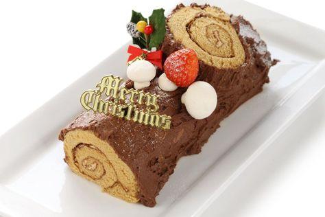 In Frankreich gehört die Buche de Noel zu den traditionellen Weihnachtsspeisen. Das Rezept für die Schoko-Biskuitrolle ist nicht ganz einfach, aber es lohnt sich!
