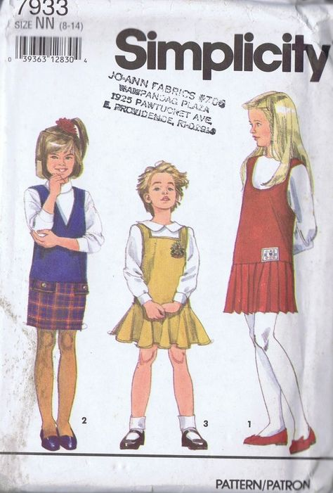 Arm Warmers /& Mittens  Sewing Pattern Simplicity 4812 Girls/' Poncho Scarf Hat