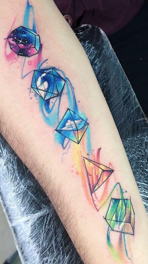 23 tatuajes de acuarela para hombres con estilo