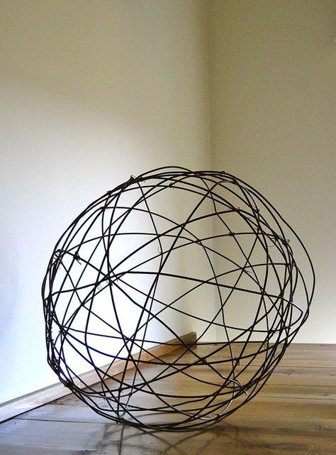 wire-ball-closeup.jpg (670×907)