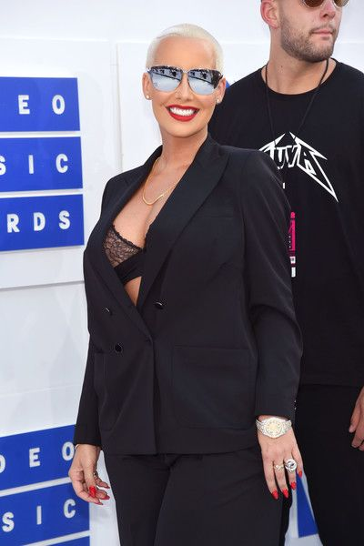 Amber Rose attends the 2016 MTV Video Music Awards.