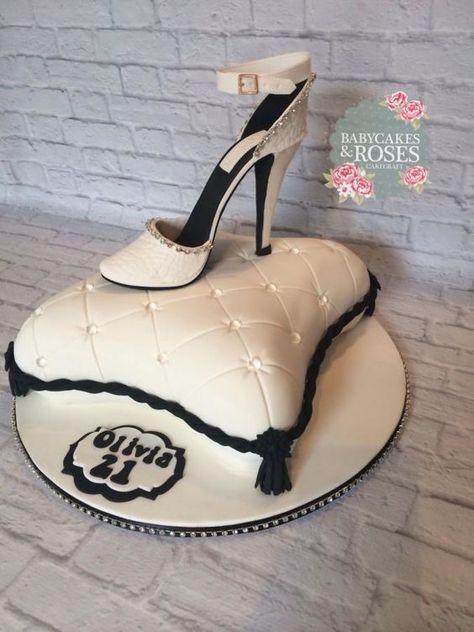 Pillow+cake+with+sugar+shoe+-+Cake+by+Babycakes+