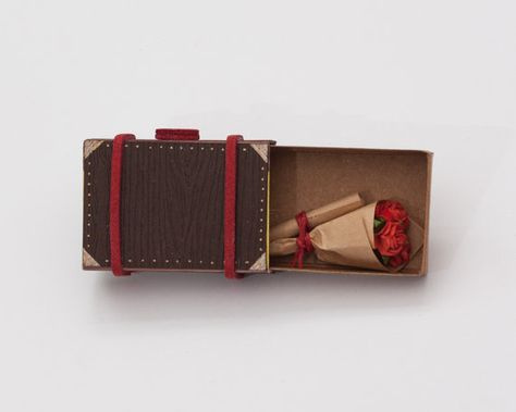 Matchbox Suitcase with Bouquet of Roses miniature / by 3XUdesign