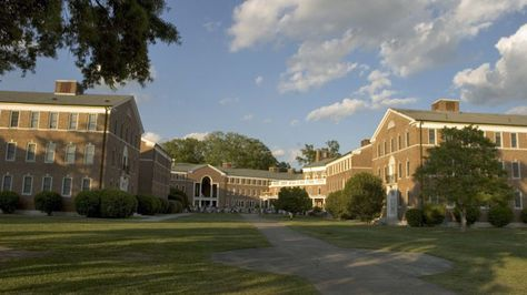 Making the Case For A Pragmatic Liberal Arts College Education