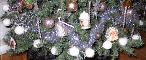 Belznickle Blogspot : Victorian Snowball Garland Tutorial