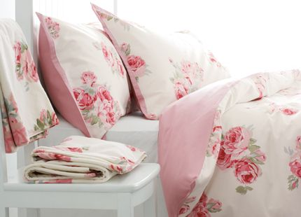 I Am So Hy Every Day Nestle Between These Sheets Couture Rose Laura Ashley And Cath Kidston Linen Bedding